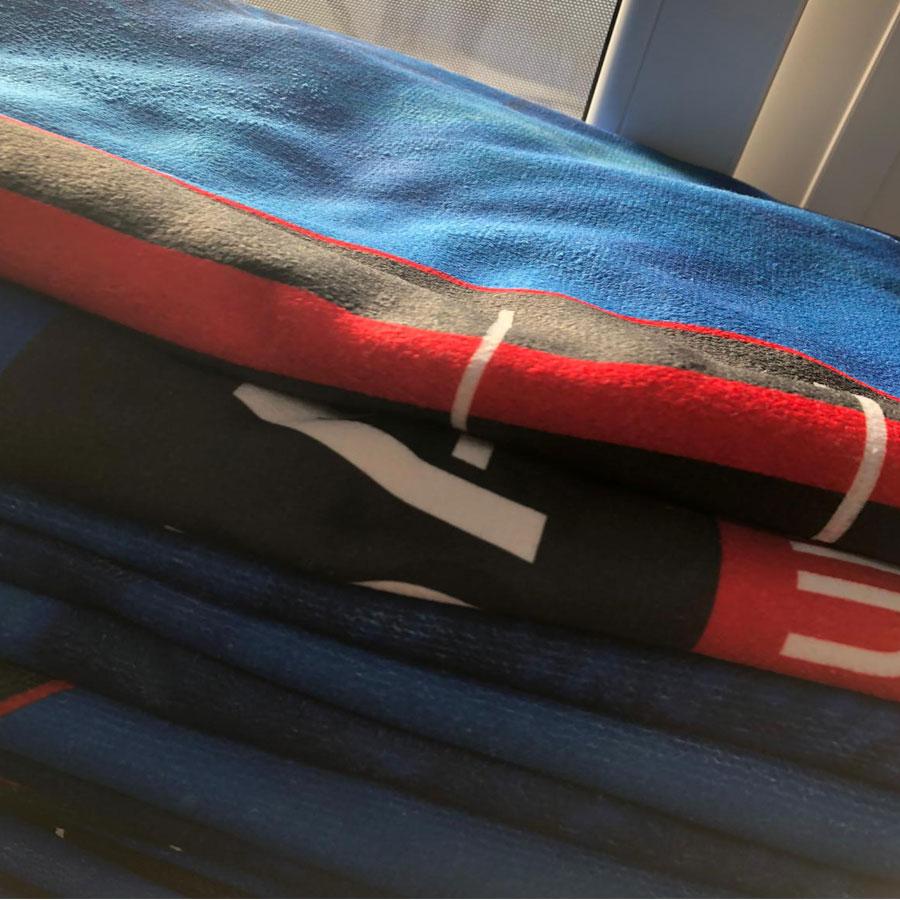 badetuch-handtuch-bedrucken-gefaltet